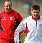Rafa Benitez és Steven Gerrard