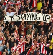 A Stoke szurkolói ünneplik a bentmaradást
